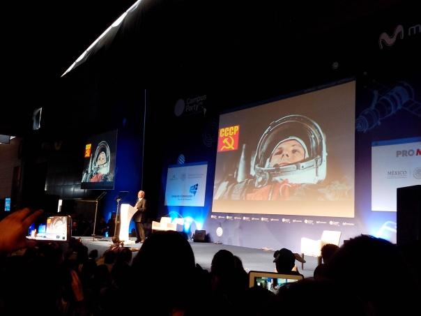 Buzz Aldrin en CPMX4